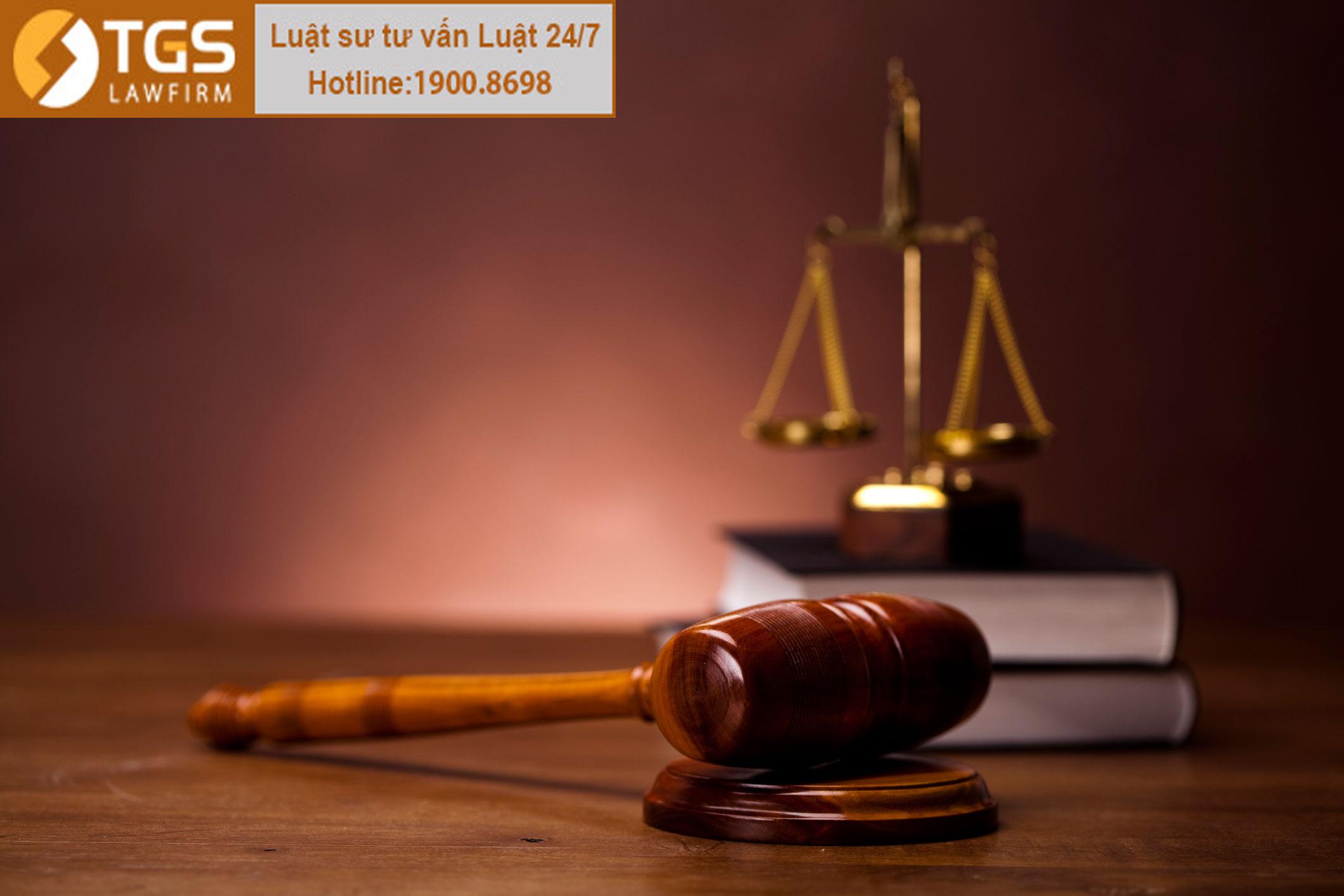 Tìm hiểu về quyết định của tòa án sau 1 năm