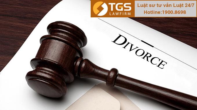 Vợ có trách nhiệm với khoản nợ riêng của chồng khi ly hôn không