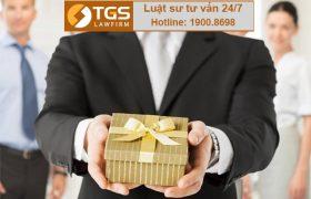 Nhận và xử lý quà tặng đối với cán bộ, công nhân viên chức