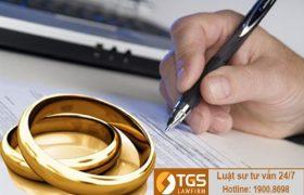 Vợ vắng mặt tại tòa khi giải quyết ly hôn thuận tình