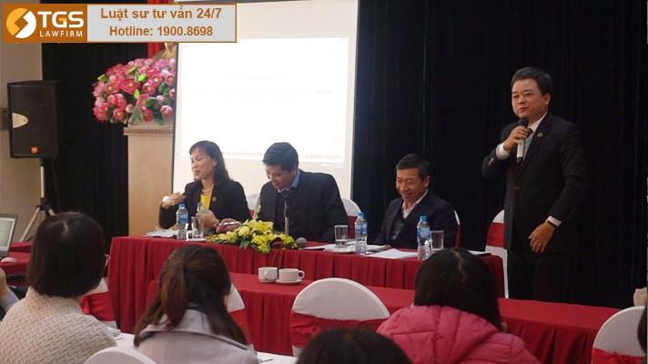Luật sư Hà Huy Sơn trả lời câu hỏi của các doanh nghiệp
